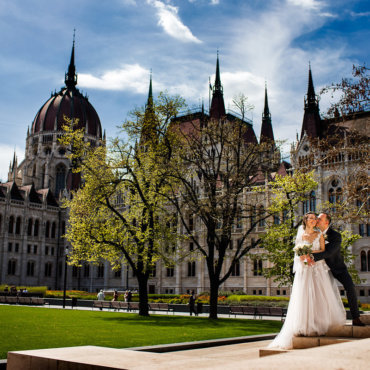 destination wedding in Hungary