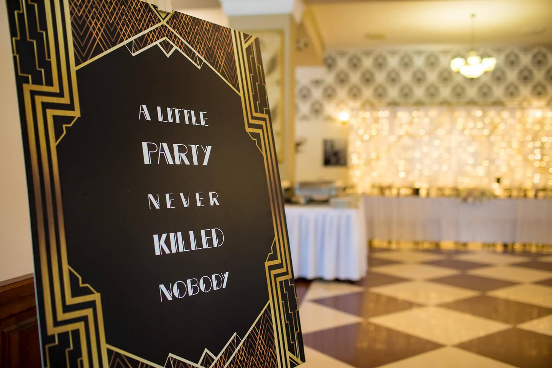 Esküvő felirat