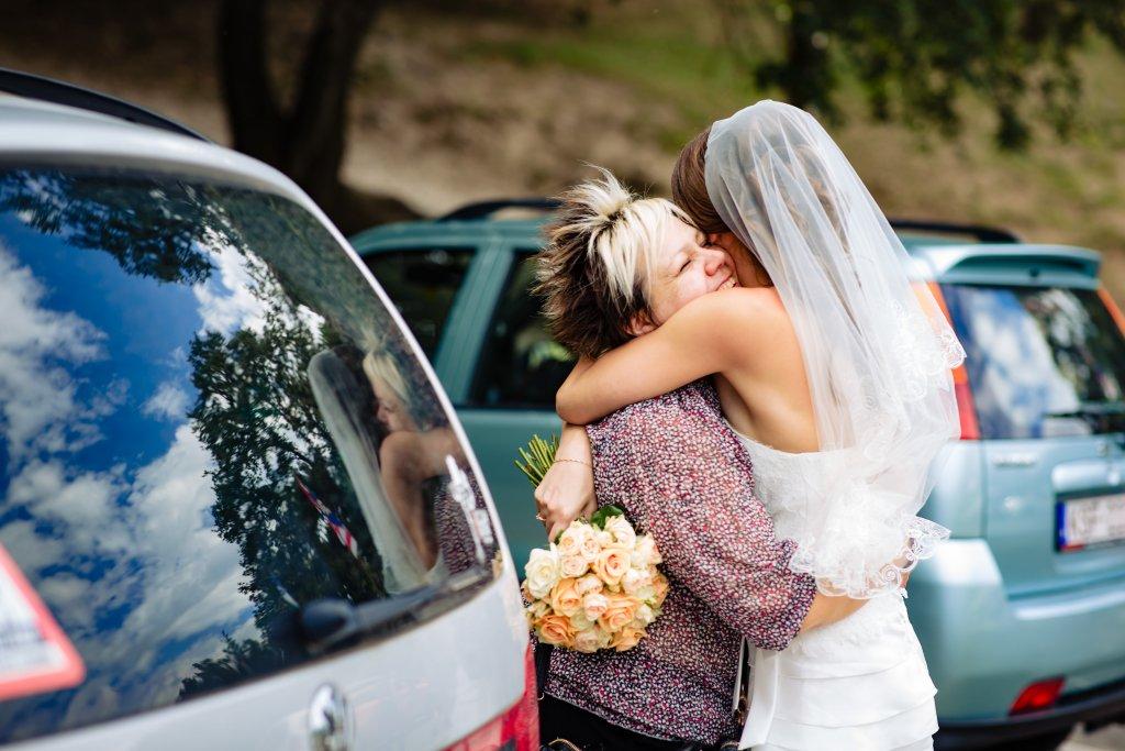 menyasszony